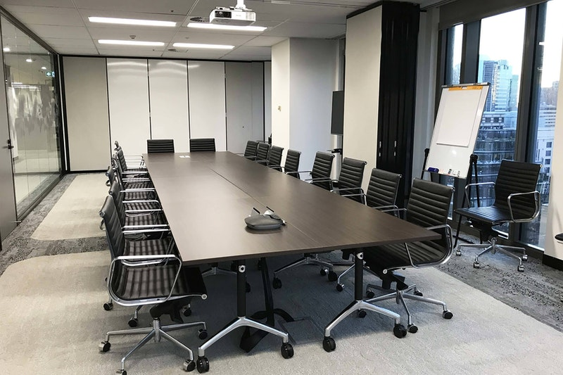 Event-space2-boardroom-meeting