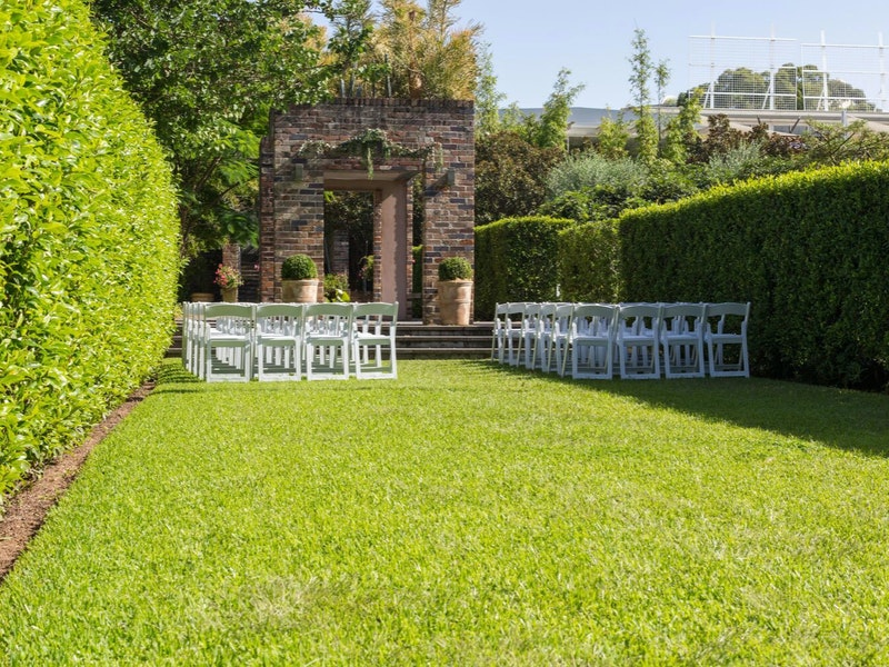 Wedding Lawn gal5