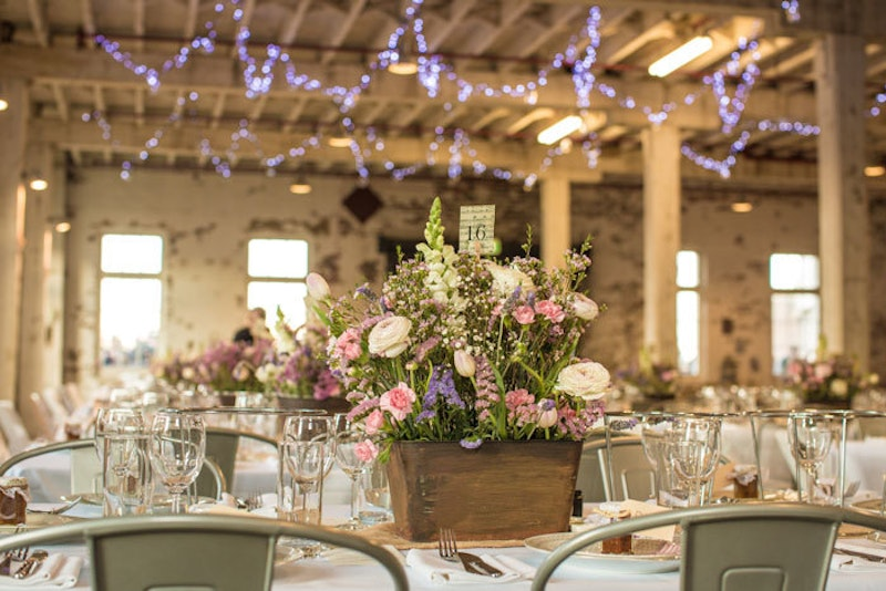Wedding-Table-Flowers-Banquet
